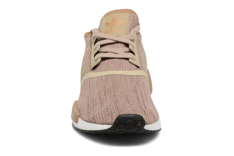Baskets Adidas Originals Nmd_R1 Marron vue portées chaussures