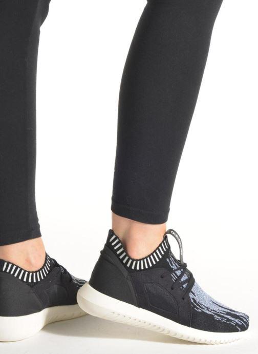 Baskets adidas originals Tubular Defiantpk W Noir vue bas / vue portée sac