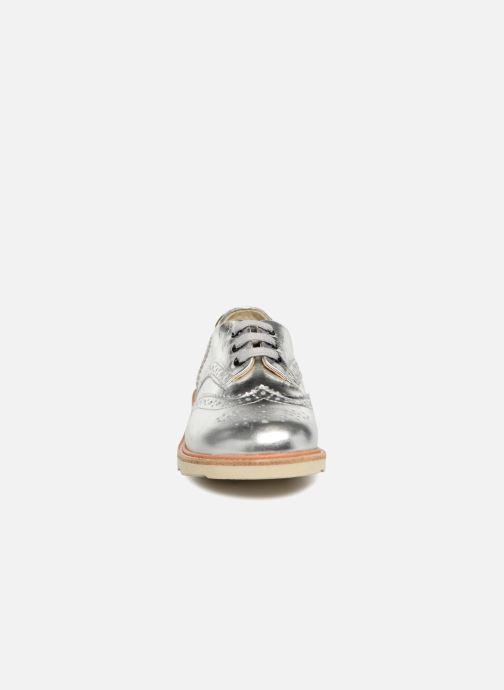 Scarpe con lacci Young Soles Brando Argento modello indossato