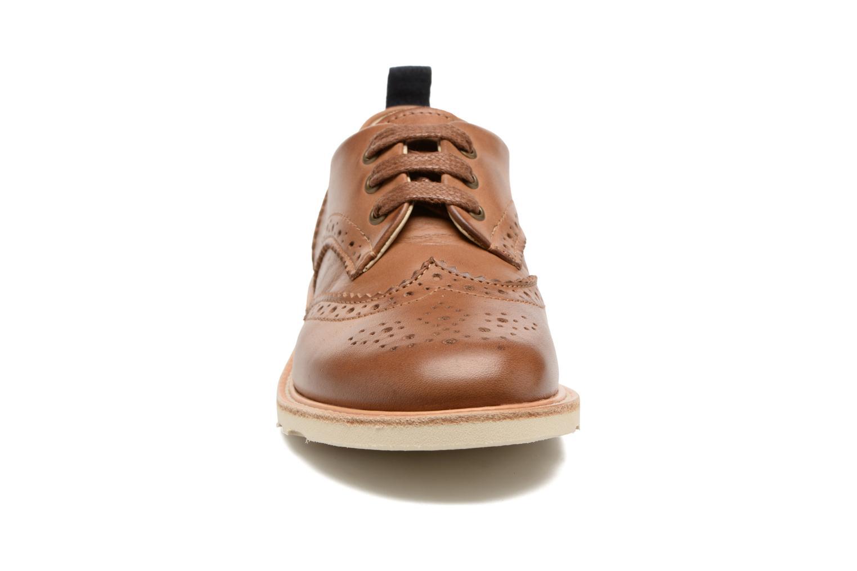 Snøresko Young Soles Brando Brun se skoene på