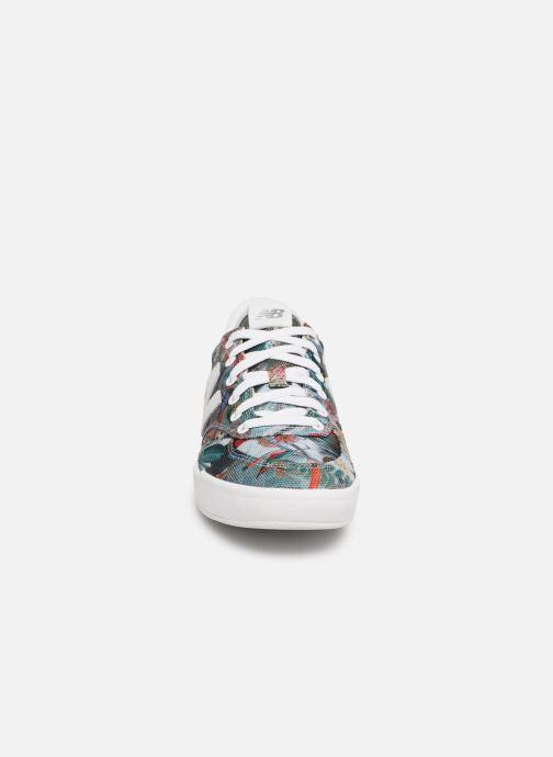 Sneakers New Balance WRT300 Multicolore modello indossato