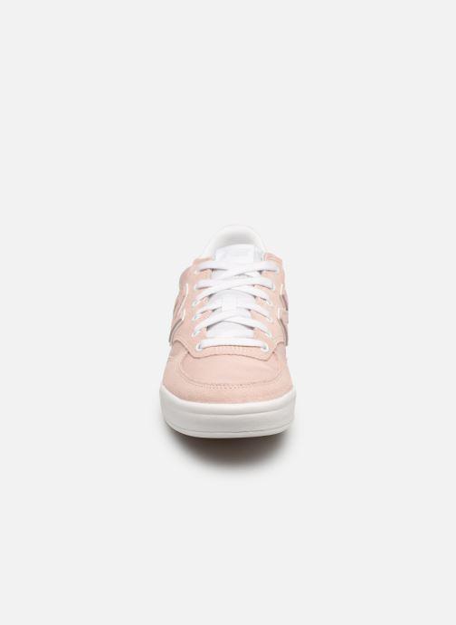 Baskets New Balance WRT300 Rose vue portées chaussures