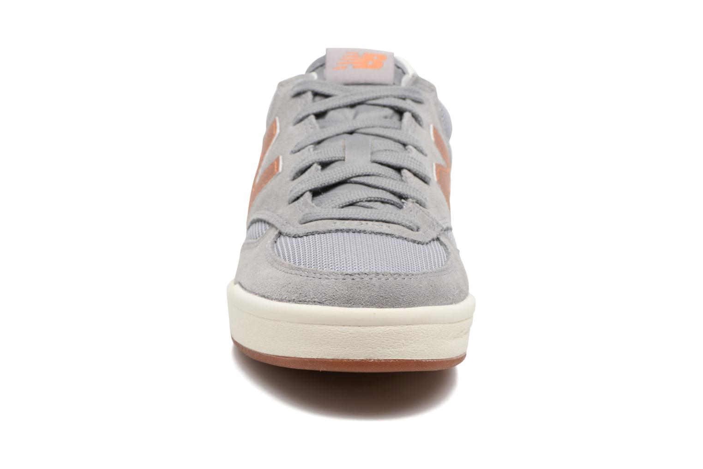 Baskets New Balance WRT300 Gris vue portées chaussures