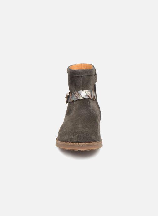 Ankle boots Pom d Api Trip Twist Grey model view