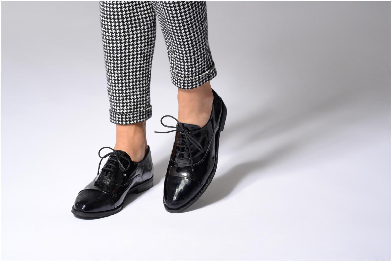 Chaussures à lacets Dorking Raquel 6891 Noir vue bas / vue portée sac