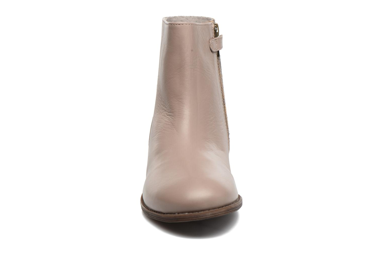 Bottines et boots Kickers Rusty Beige vue portées chaussures