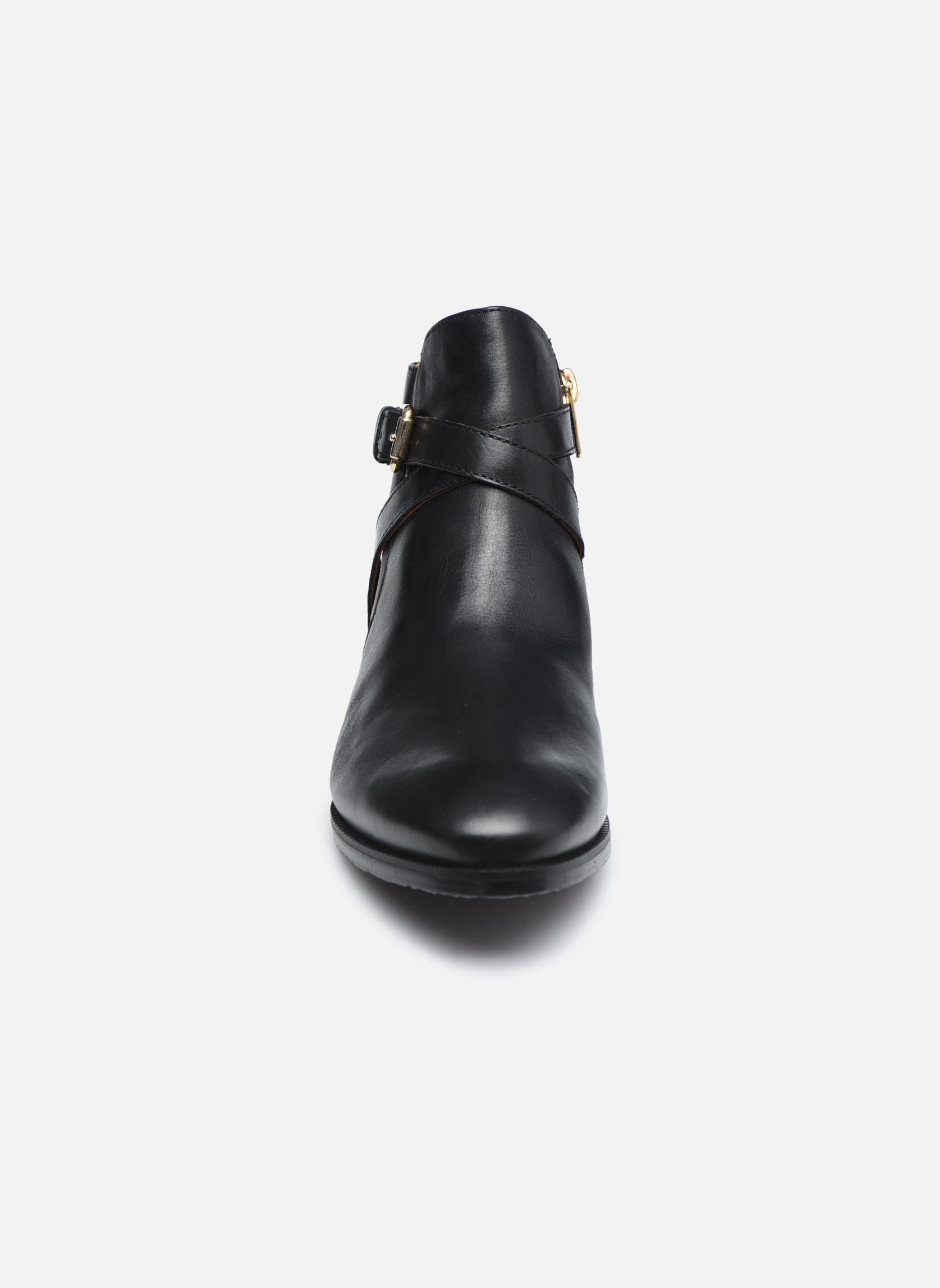 Bottines et boots Pikolinos ROYAL W4D-8614 Noir vue portées chaussures