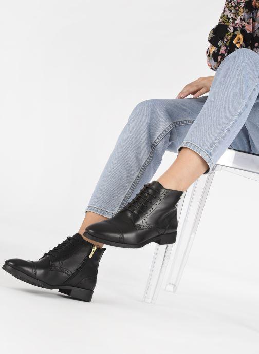 Bottines et boots Pikolinos Royal W4D-8717 Noir vue bas / vue portée sac