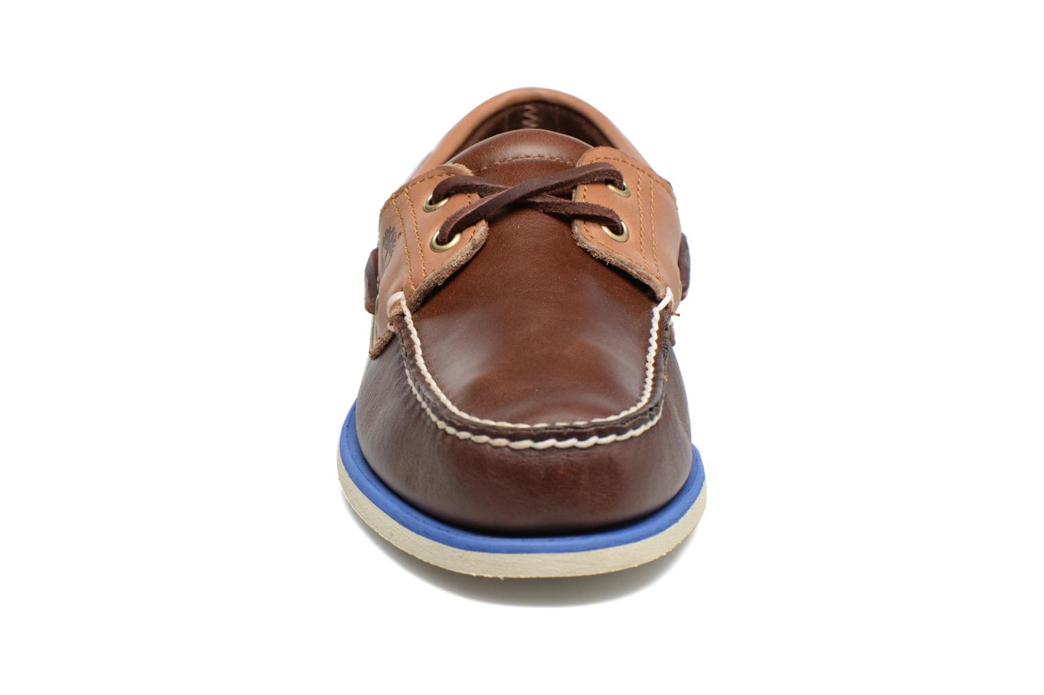 Chaussures à lacets Timberland Classic Boat 2 Eye Marron vue portées chaussures