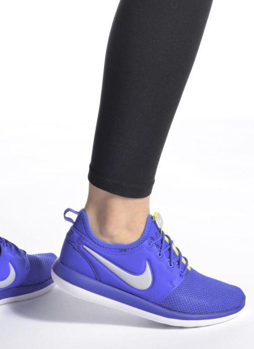 Sneaker Nike Nike Roshe Two (Gs) grau ansicht von unten / tasche getragen