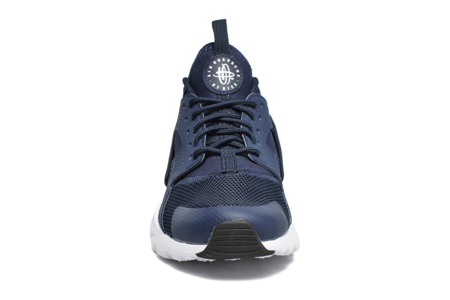 Sneakers Nike Nike Air Huarache Run Ultra Gs Grå bild av skorna på