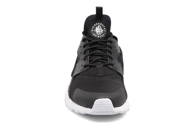 Baskets Nike Nike Air Huarache Run Ultra Gs Noir vue portées chaussures