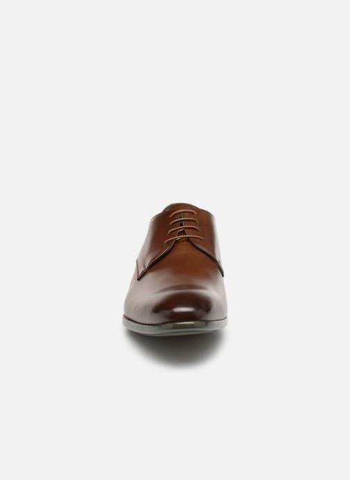 Chaussures à lacets Doucal's Omar Vichy Marron vue portées chaussures