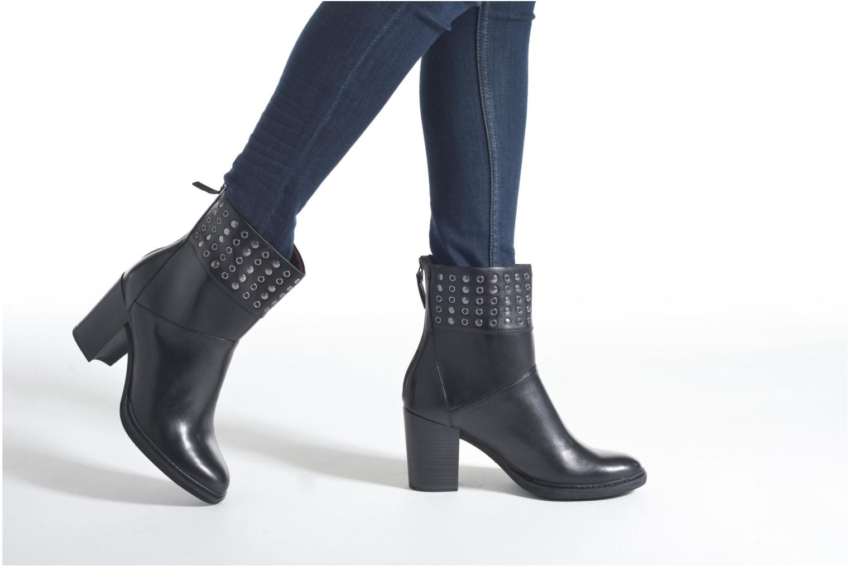 Bottines et boots Tamaris Huernia Noir vue bas / vue portée sac