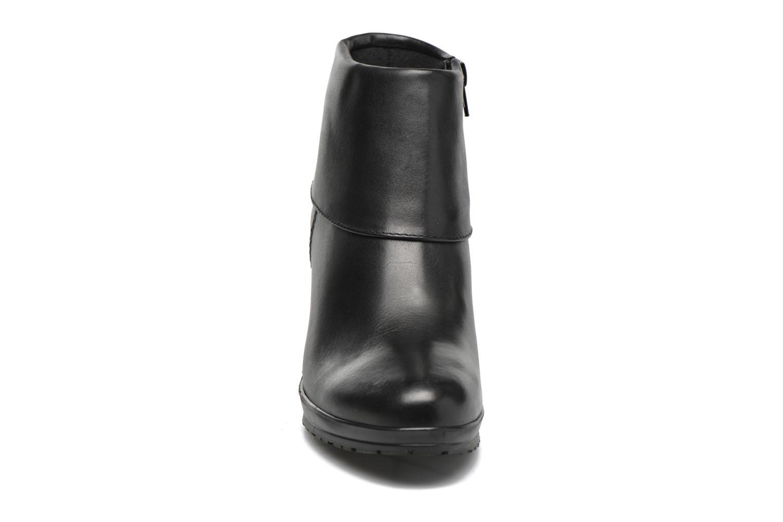 Ankle boots Tamaris Moraea Black model view
