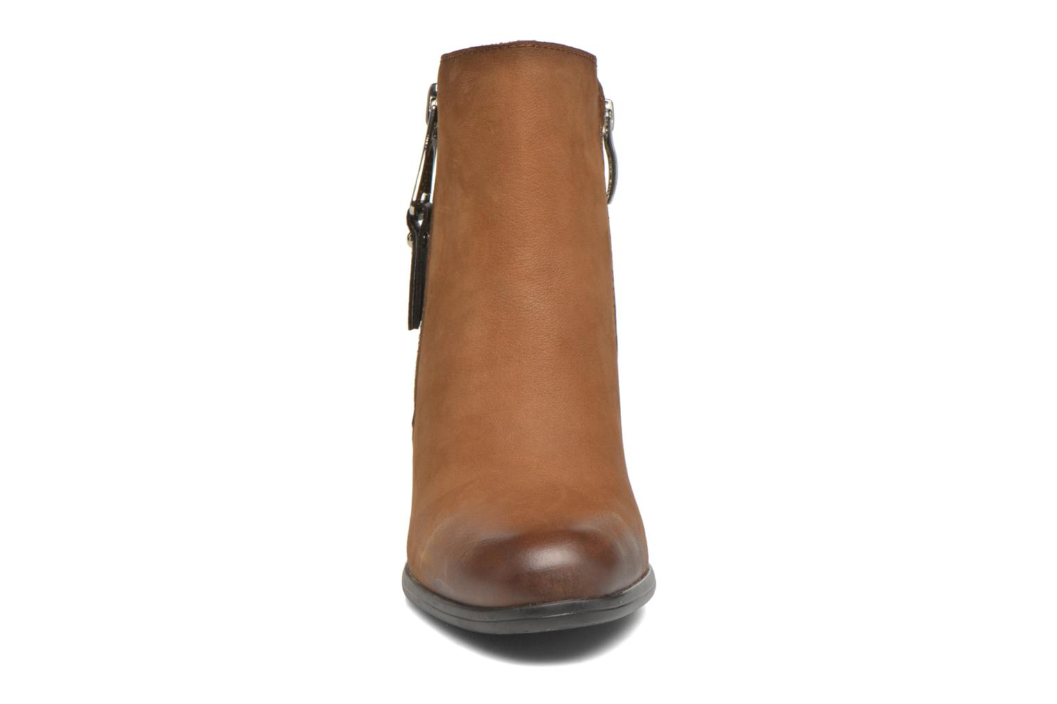 Ankle boots Tamaris Russelia Brown model view