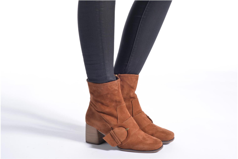 Bottines et boots Tamaris Senna Marron vue bas / vue portée sac