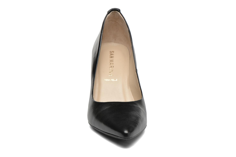 Zapatos de tacón San Marina Piel Negro vista del modelo