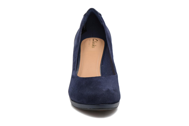 Escarpins Clarks Chorus Chic Bleu vue portées chaussures