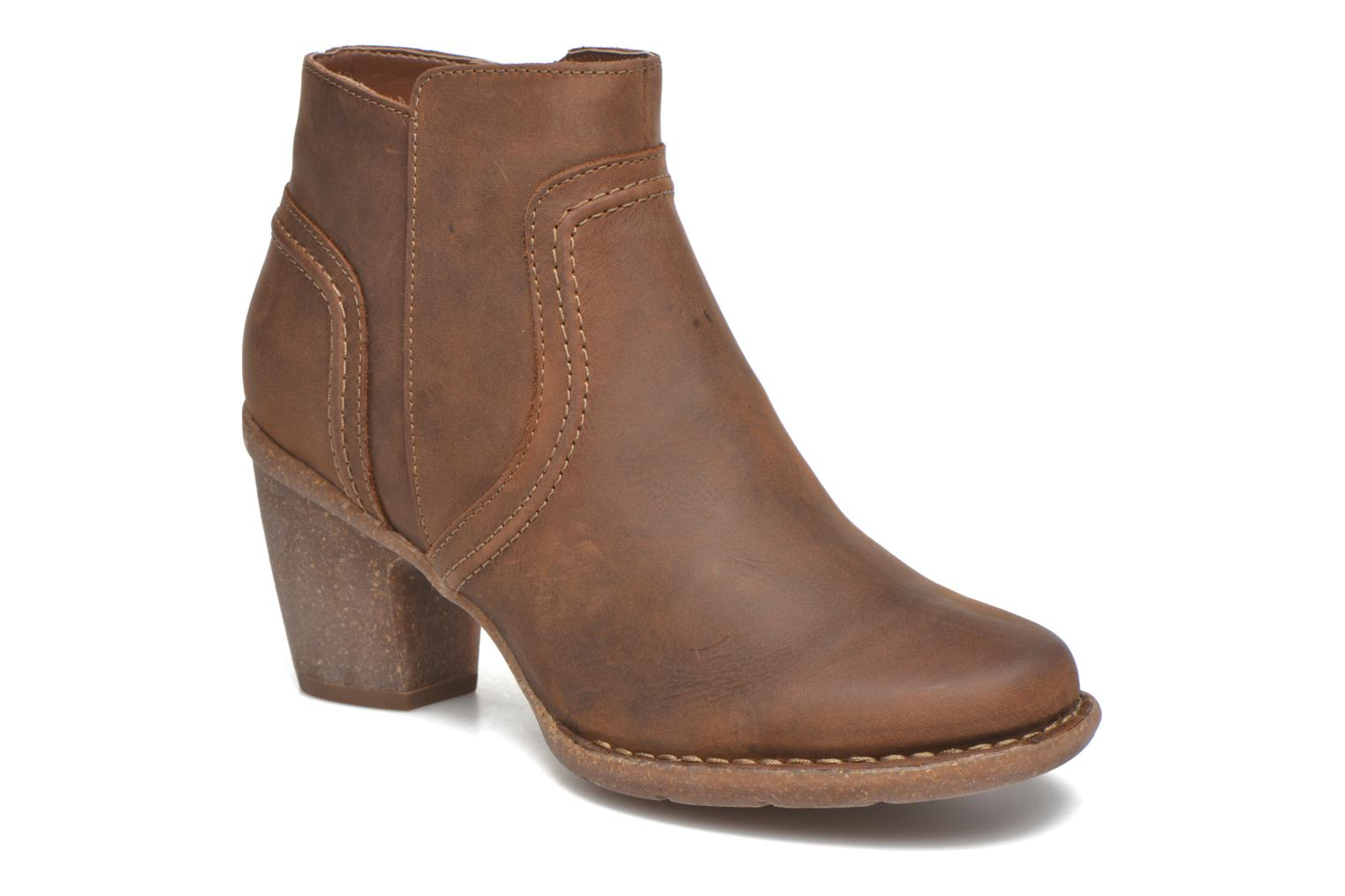 Ankle boots Clarks Carleta Paris Brown detailed view/ Pair view