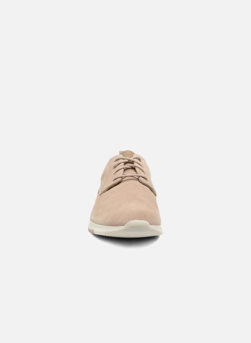 Chaussures à lacets Clarks Tynamo Walk Beige vue portées chaussures