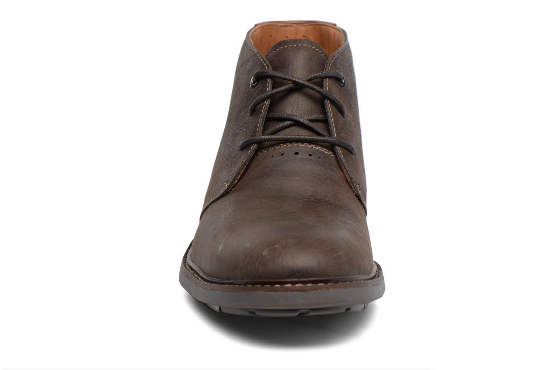 Chaussures à lacets Clarks Unelott Mid Marron vue portées chaussures