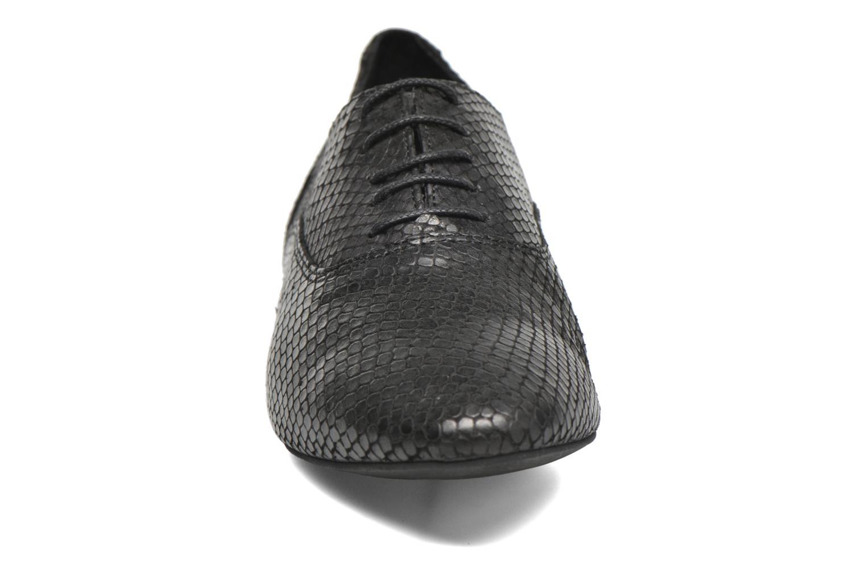 Zapatos con cordones COSMOPARIS Viani/Pyt Negro vista del modelo