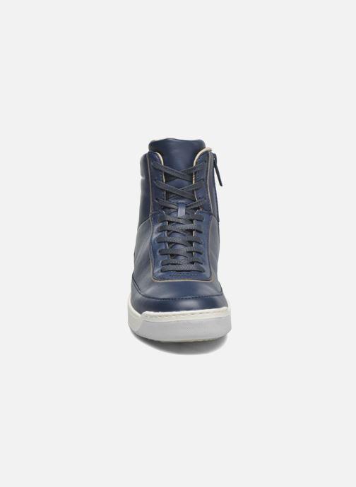 Baskets Lacoste Explorateur Calf 316 1 Bleu vue portées chaussures