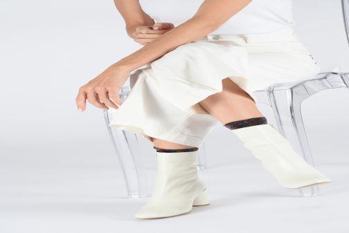 Stiefeletten & Boots Made by SARENZA Pastel Affair Boots #2 weiß ansicht von unten / tasche getragen