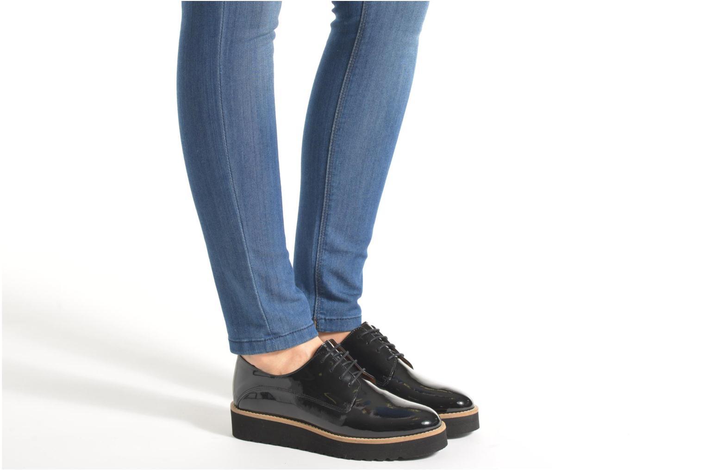 Chaussures à lacets Made by SARENZA West Mister # 17 Noir vue bas / vue portée sac