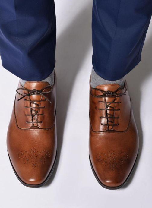 Chaussures à lacets Marvin&Co Newmilton Marron vue bas / vue portée sac