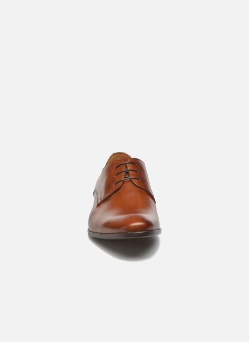 Scarpe con lacci Marvin&Co Nailsworth Marrone modello indossato