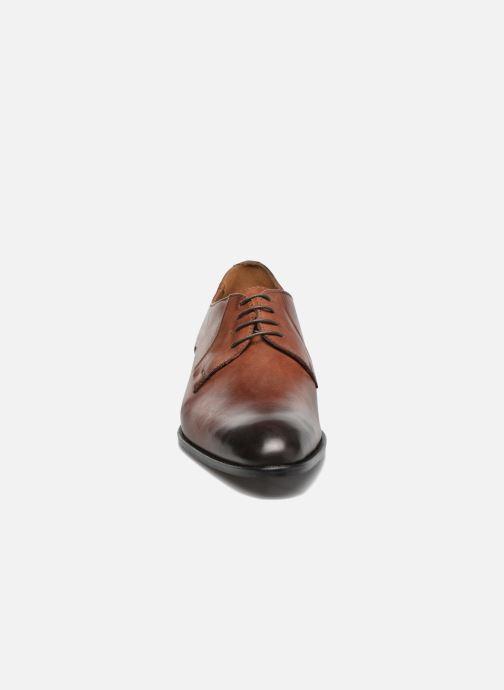 Scarpe con lacci Marvin&Co Needham Marrone modello indossato