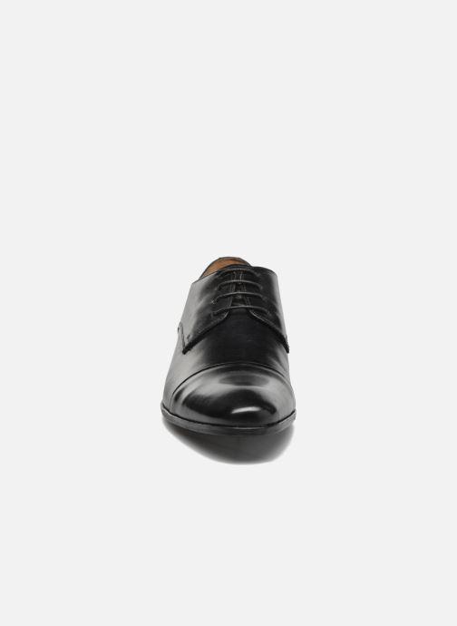 Zapatos con cordones Marvin&Co Newhaven Negro vista del modelo