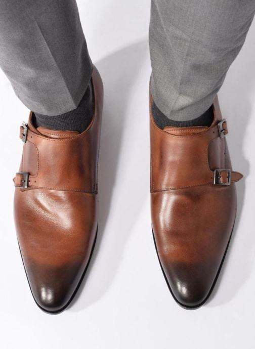 Chaussure à boucle Marvin&Co Newmills Marron vue bas / vue portée sac