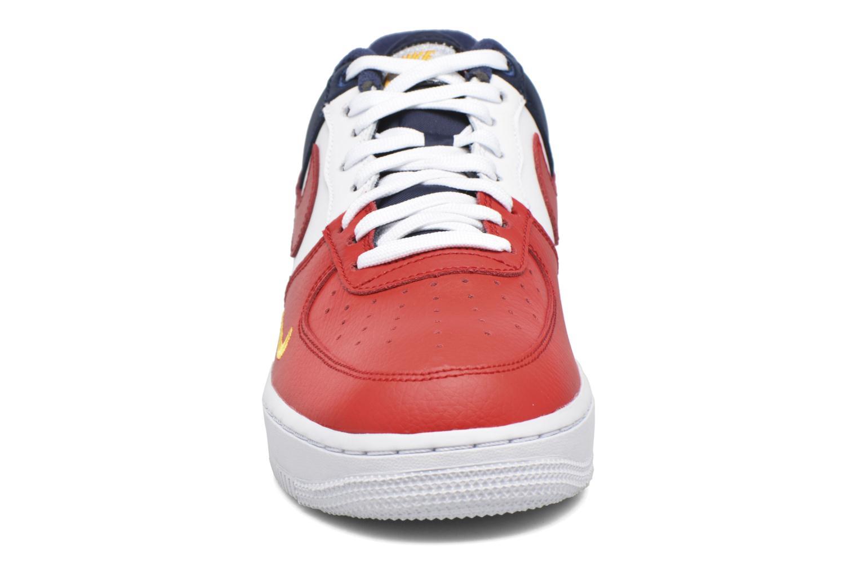 Baskets Nike Air Force 1 '07 Lv8 Multicolore vue portées chaussures