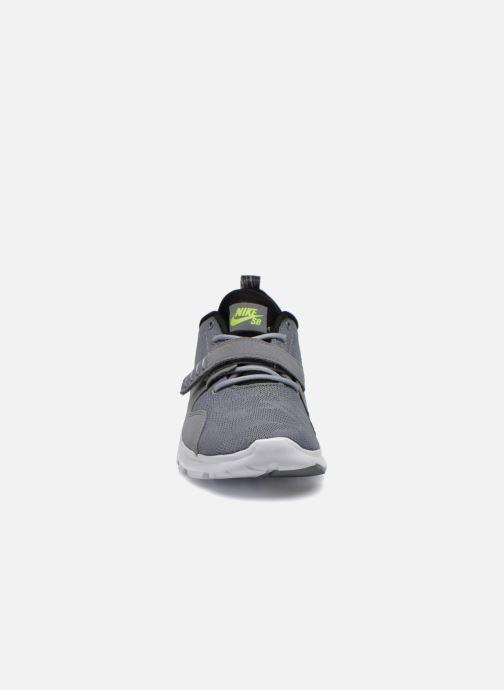 Scarpe sportive Nike Trainerendor Grigio modello indossato
