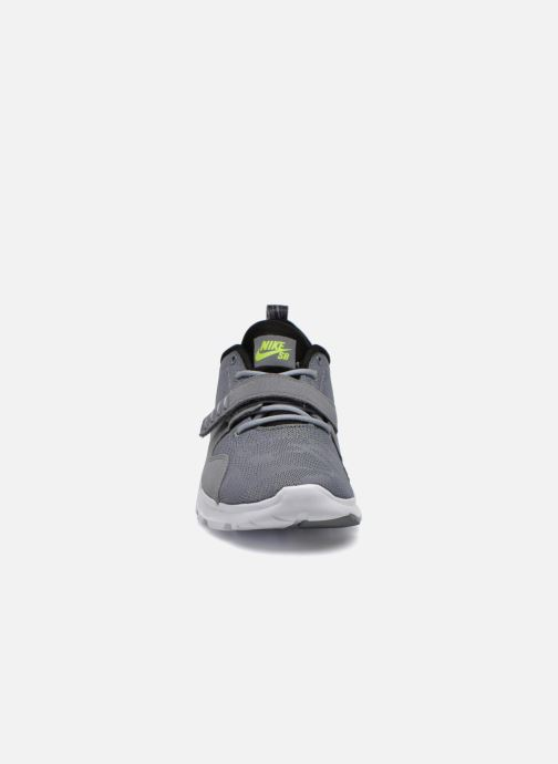 Chaussures de sport Nike Trainerendor Gris vue portées chaussures