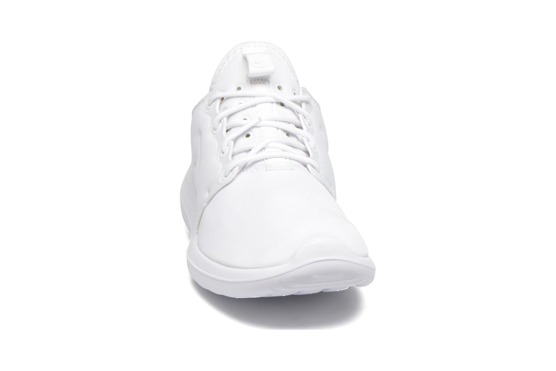Baskets Nike W Nike Roshe Two Blanc vue portées chaussures