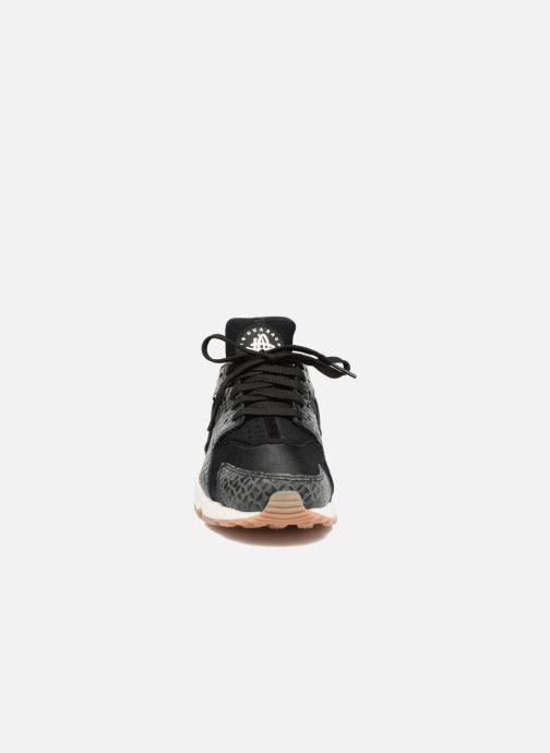 Deportivas Nike Wmns Air Huarache Run Prm Negro vista del modelo
