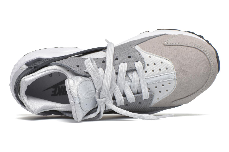 Sneakers Nike Wmns Air Huarache Run Prm Grå bild från vänster sidan