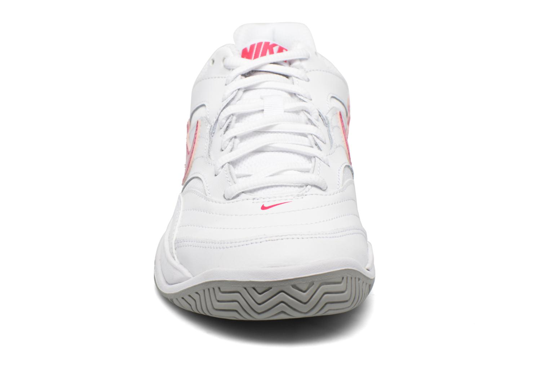 Chaussures de sport Nike Wmns Nike Court Lite Blanc vue portées chaussures