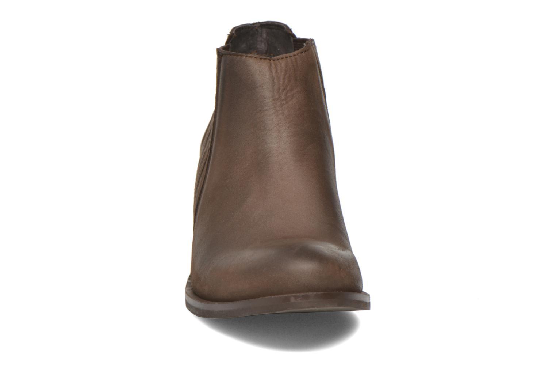 Bottines et boots Georgia Rose Matiag Marron vue portées chaussures