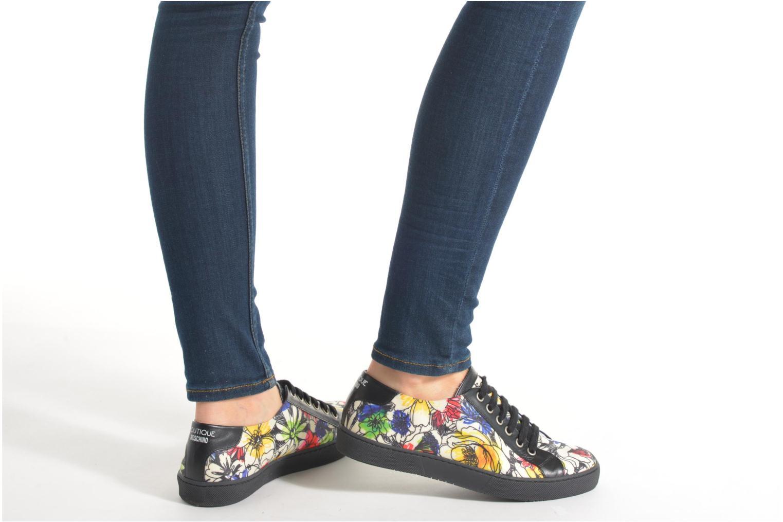 Chaussures à lacets Boutique Moschino Flower Multicolore vue bas / vue portée sac