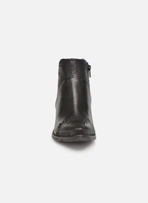 Ankle boots Khrio Sorolono Black model view