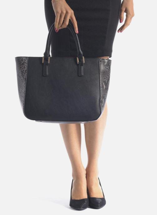 Handtaschen Clarks MAGNOLIA ROSE Porté main schwarz ansicht von unten / tasche getragen