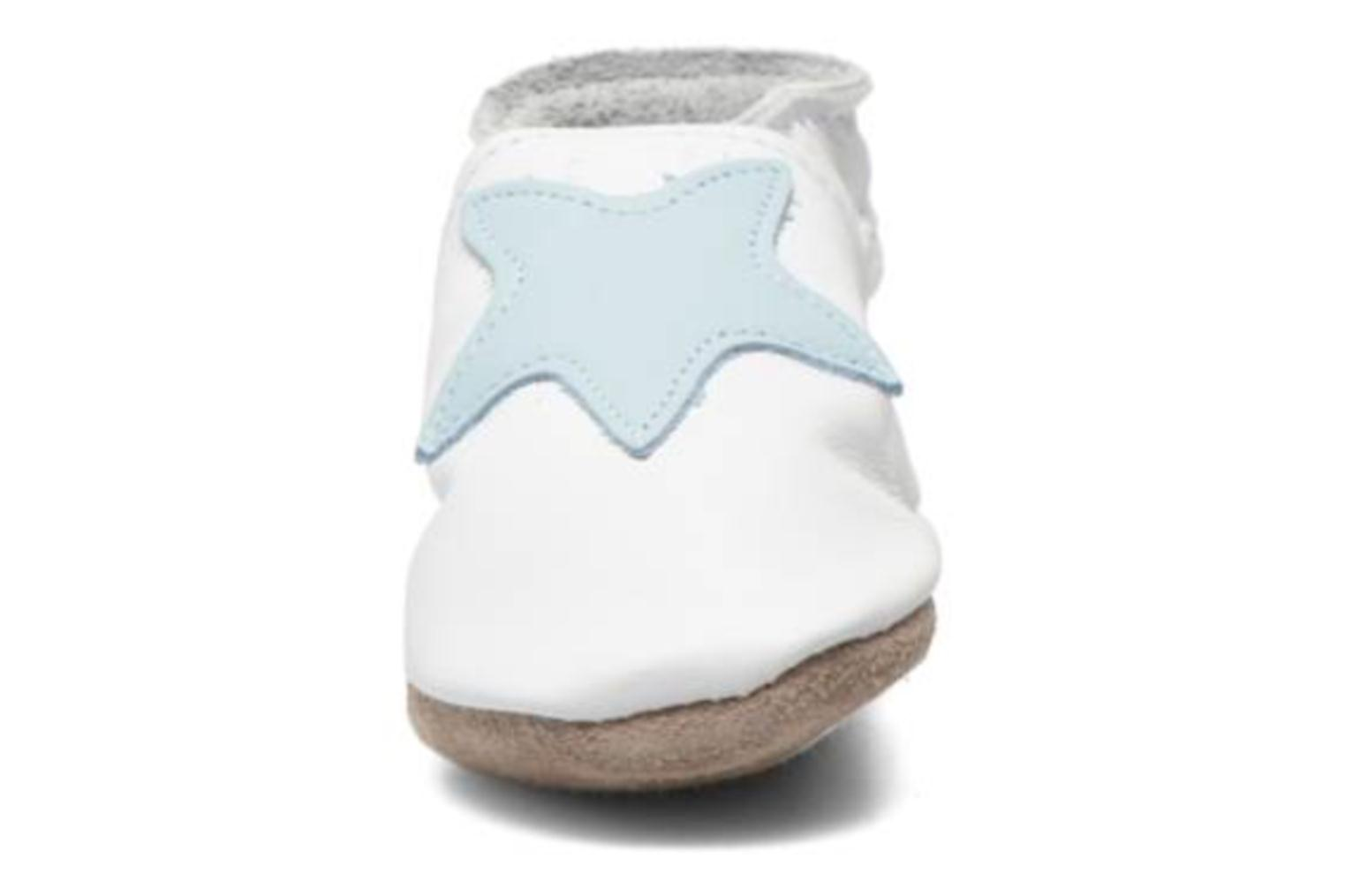 Chaussons Inch Blue Star Blanc vue portées chaussures