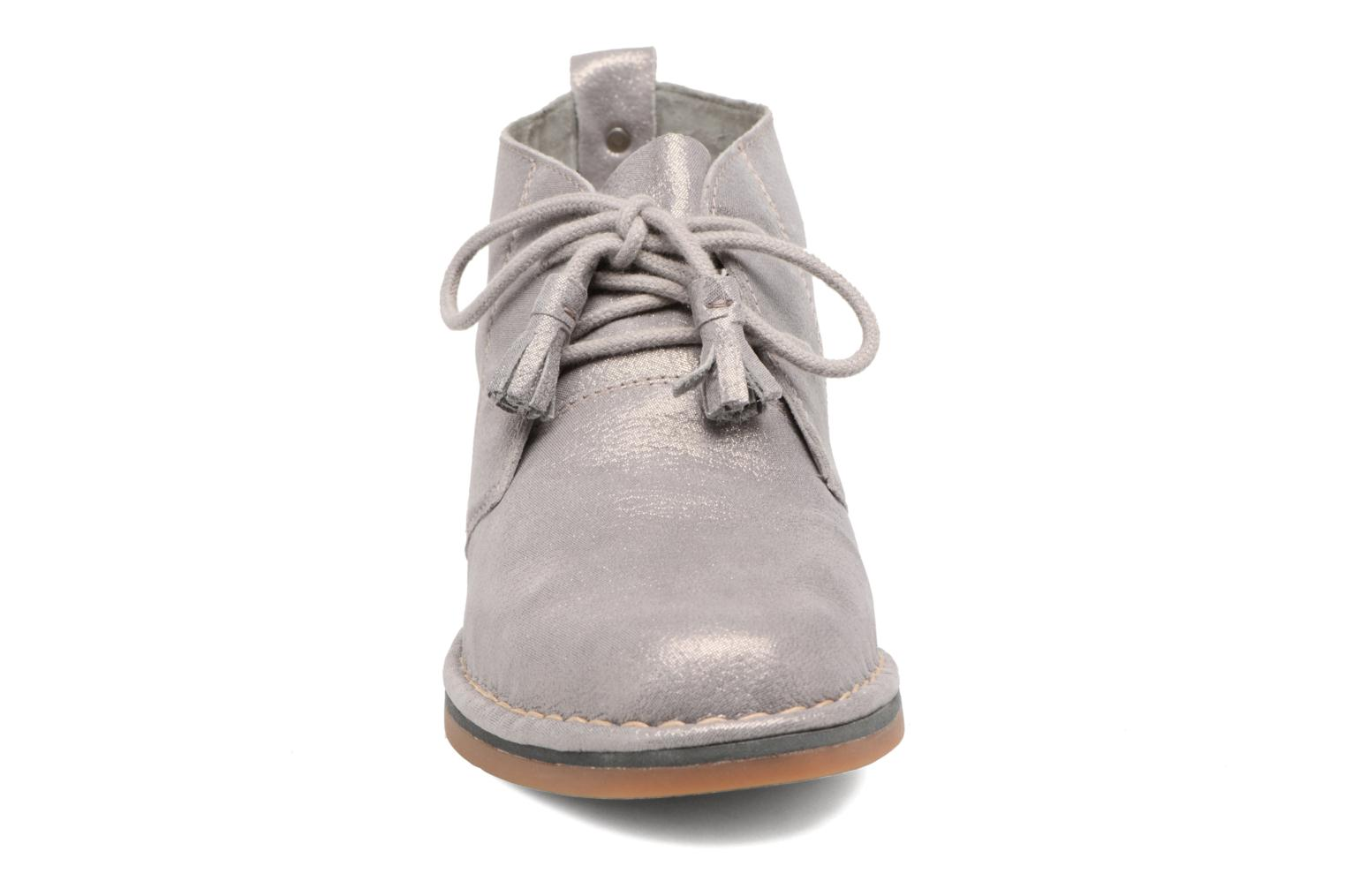 Botines  Hush Puppies Cyra Catelyn Gris vista del modelo