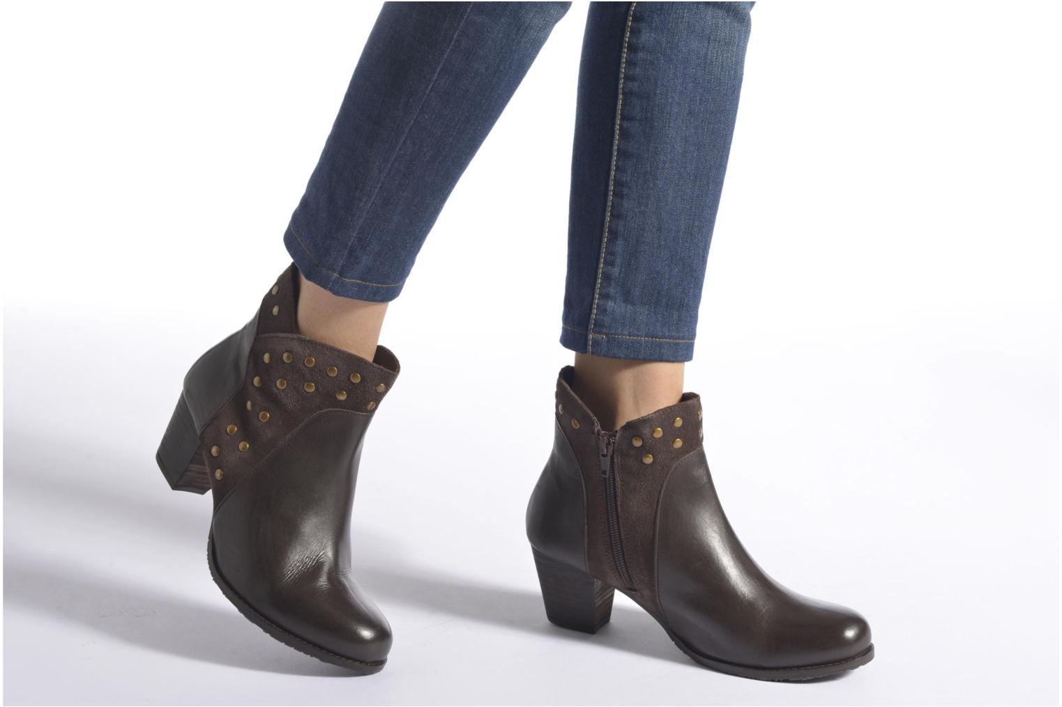 Ankle boots Hush Puppies KRIS Brown view from underneath / model view