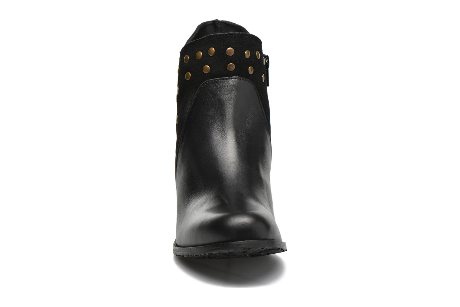 Ankle boots Hush Puppies KRIS Black model view